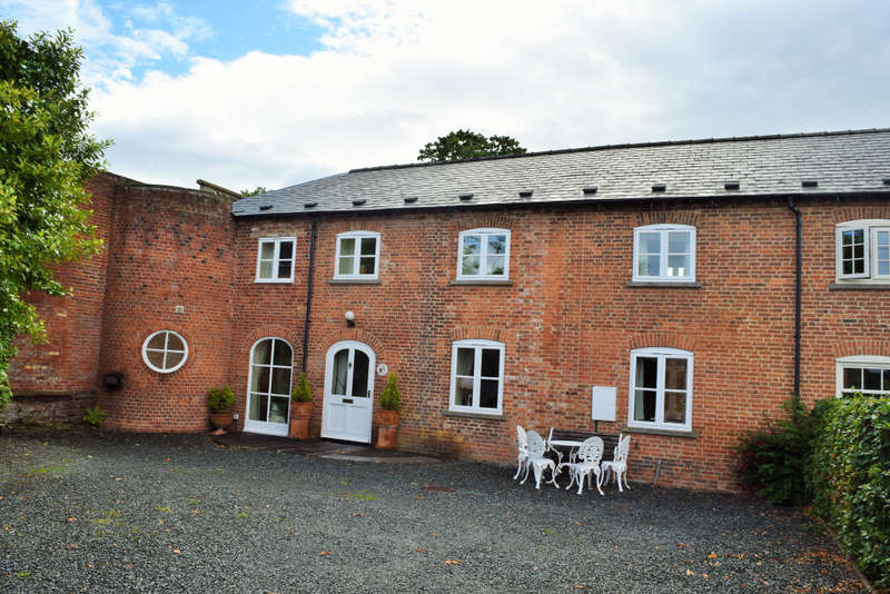 4 Bedrooms End Of Terrace House for sale in Stable Cottage Tyberton, Tyberton, Hereford, Herefordshire, HR2 9PT