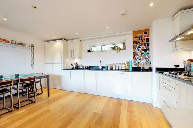 3 Bedrooms Flat for sale in Dunston Road, London, E8
