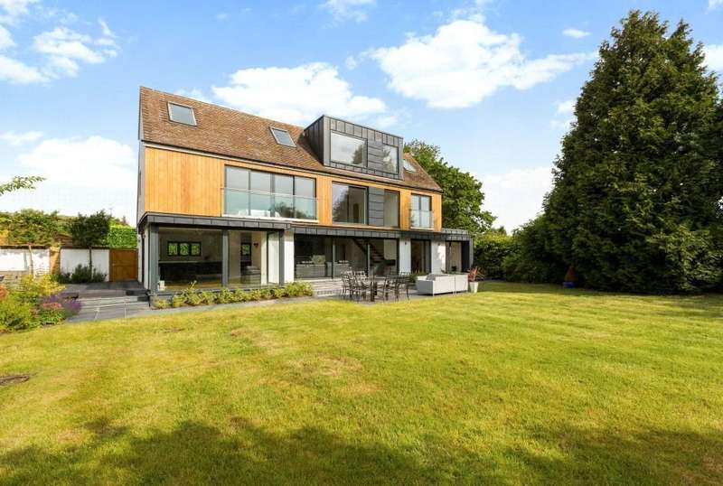 2 Bedrooms Detached House for sale in Old Mill Lane, Bray, Maidenhead, Berkshire, SL6