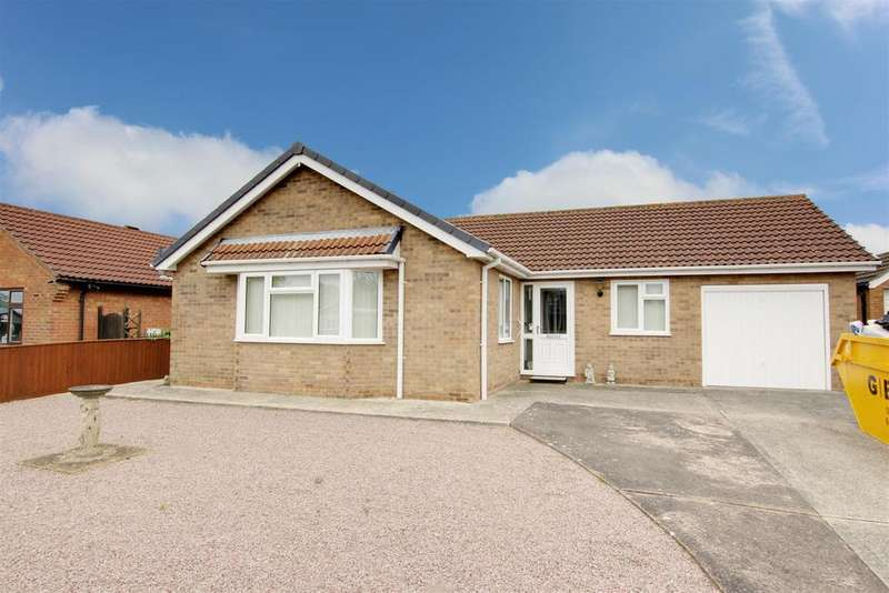 3 Bedrooms Detached Bungalow for sale in Dixon Drive, Alford