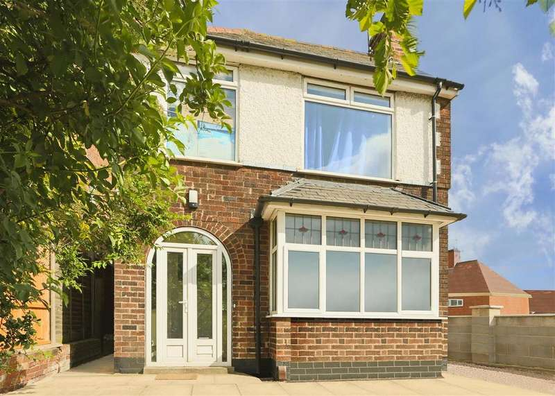 3 Bedrooms Detached House for sale in Carlton Road, Carlton, Nottinghamshire, NG3 7AB