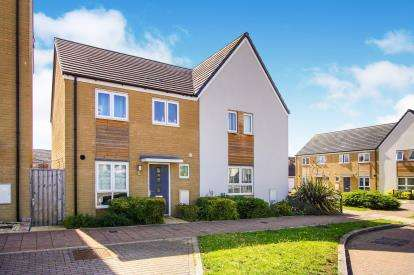 3 Bedrooms Semi Detached House for sale in Skinners Croft, Charlton Hayes, Patchway, Bristol