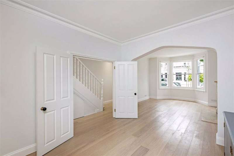 4 Bedrooms Terraced House for sale in Friston Street, Fulham, London, SW6