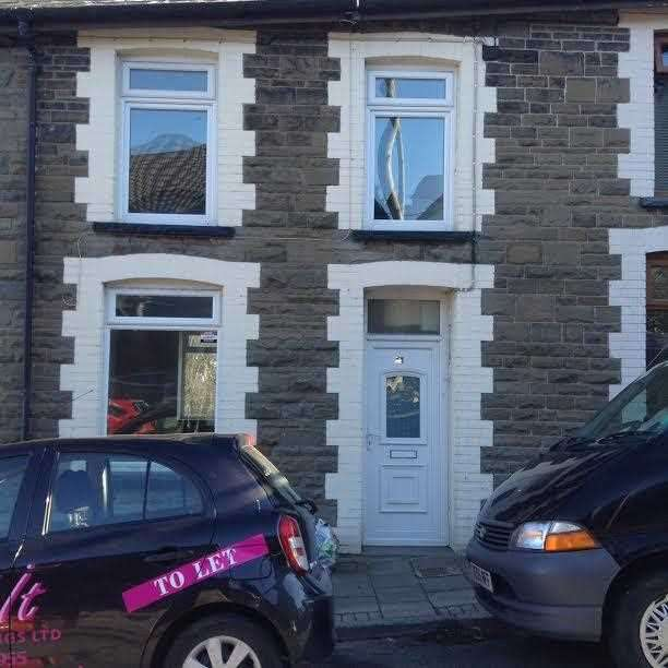 3 Bedrooms Terraced House for sale in Conway Road, Treorchy