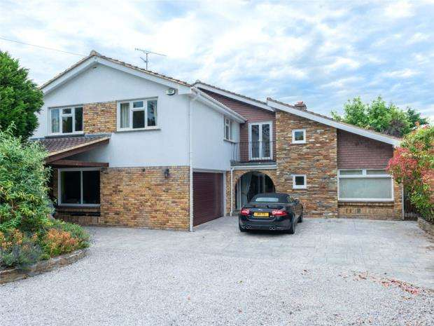 4 Bedrooms Detached House for sale in Duffield Road, Woodley, Reading