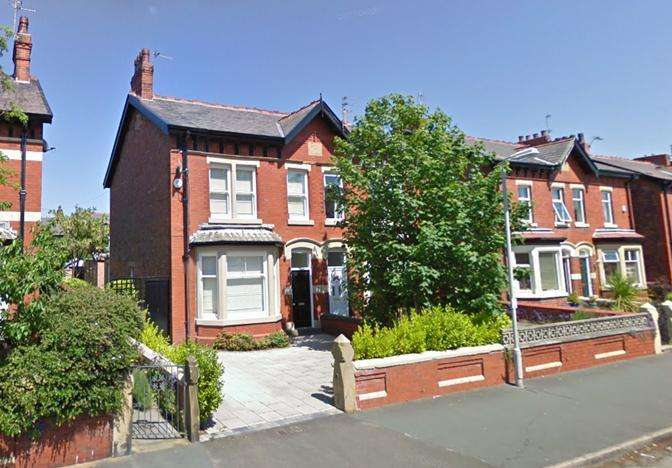 4 Bedrooms Semi Detached House for rent in Rossall Road, Ansdell, FY8