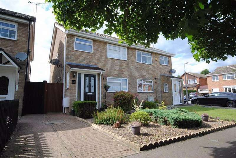 3 Bedrooms Semi Detached House for sale in Willow Bank Walk, Leighton Buzzard