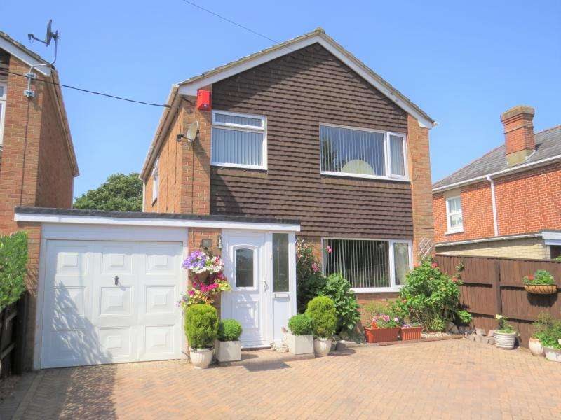 3 Bedrooms Link Detached House for sale in Lovely Family Home