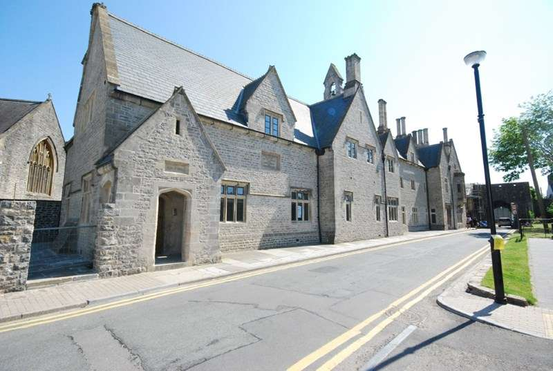 2 Bedrooms Property for rent in Apartment 6, The Old Grammar School, Cowbridge, Vale of Glamorgan