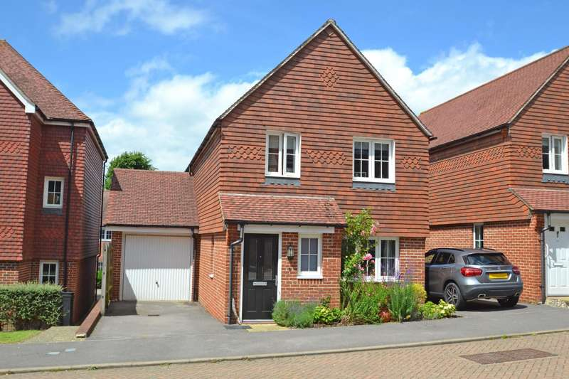 3 Bedrooms House for sale in Garland Close, Petworth, GU28