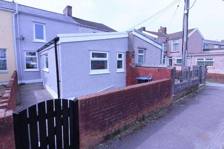 2 Bedrooms Terraced House for sale in Vale Terrace
