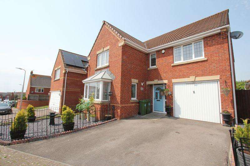 4 Bedrooms Detached House for sale in Maes Y Gwenyn, Rhoose Point