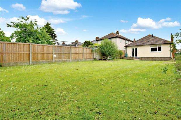 3 Bedrooms Bungalow for sale in Rickstones Road, Witham, Essex