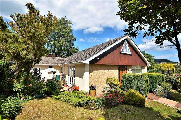 3 Bedrooms Detached Bungalow for sale in Knowle Drive, Sidmouth, Devon