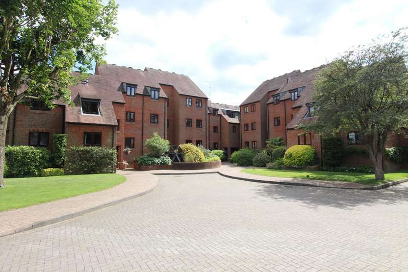 3 Bedrooms Flat for sale in Millbank, Mill Road, Marlow
