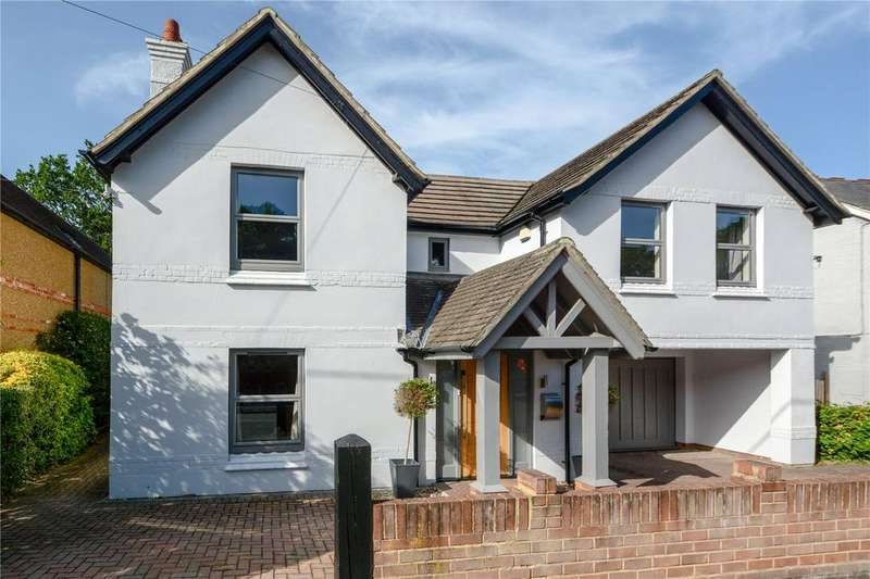 5 Bedrooms Detached House for sale in Longdown Road, Little Sandhurst, Berkshire, GU47