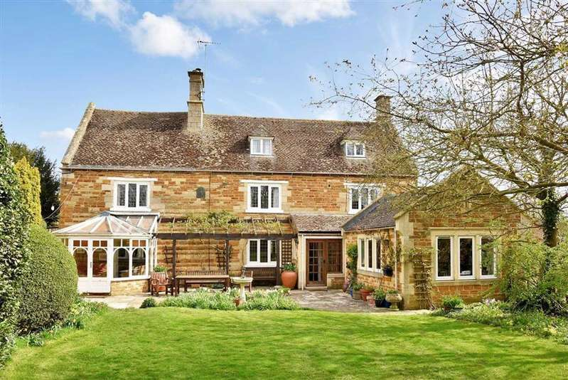5 Bedrooms Detached House for sale in 9 Brook Lane, Great Easton