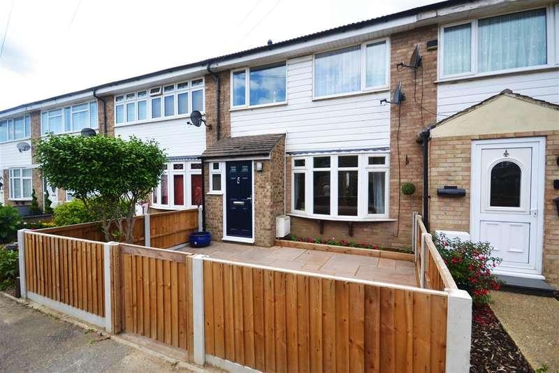 3 Bedrooms Terraced House for sale in Tyne, East Tilbury