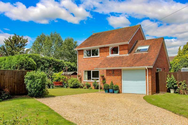 4 Bedrooms Detached House for sale in Deacon Field, South Stoke, Reading, RG8