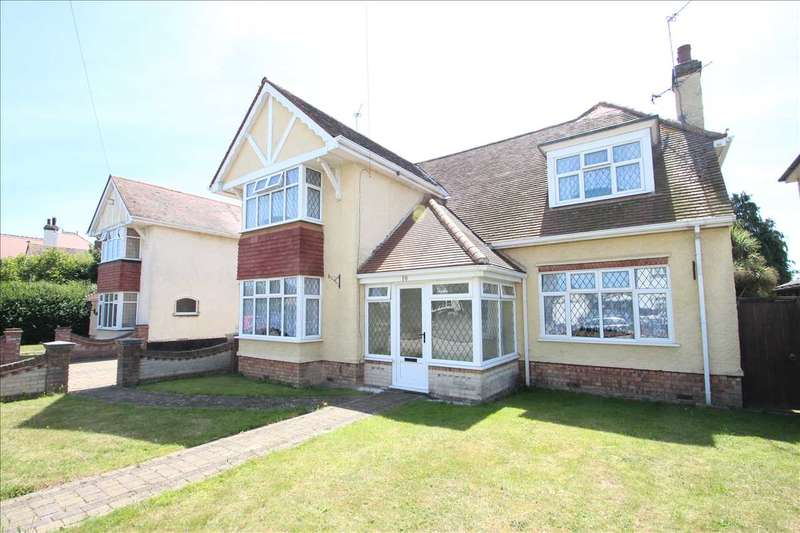 4 Bedrooms Detached House for sale in Highview Avenue, Clacton-on-Sea