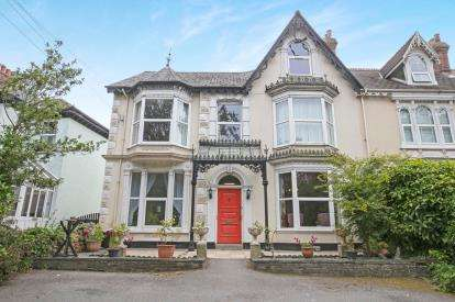 10 Bedrooms Semi Detached House for sale in Camborne, Cornwall