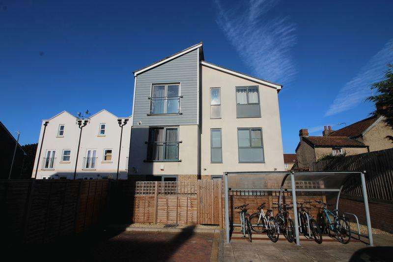 2 Bedrooms Apartment Flat for sale in Portland Street, Soundwell, Bristol
