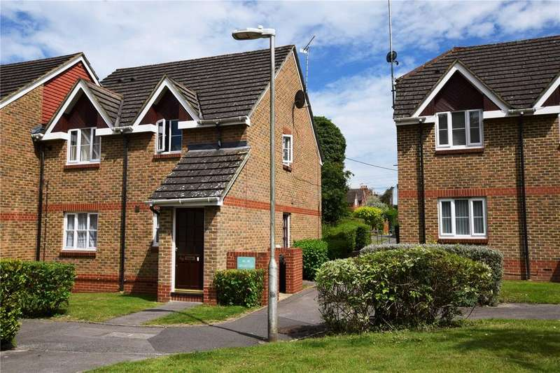 2 Bedrooms Apartment Flat for sale in Groves Lea, Mortimer, Reading, Berkshire, RG7