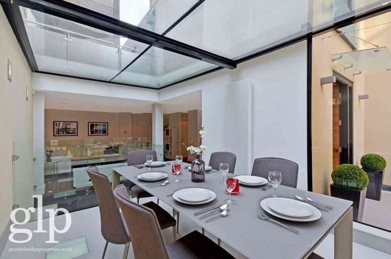 3 Bedrooms House for rent in Garden House, Hatton Garden, London