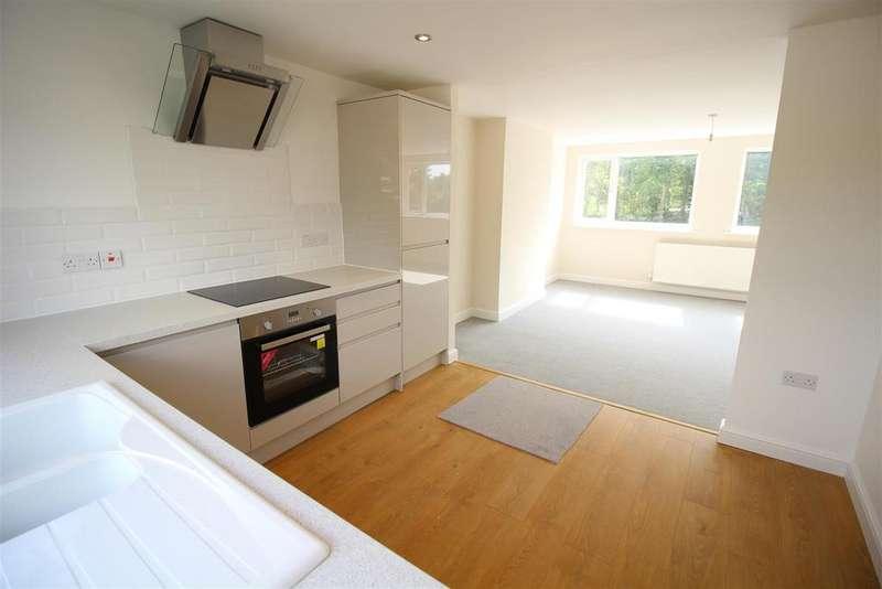 3 Bedrooms Semi Detached House for sale in Hafod Road, Ponthir, Newport