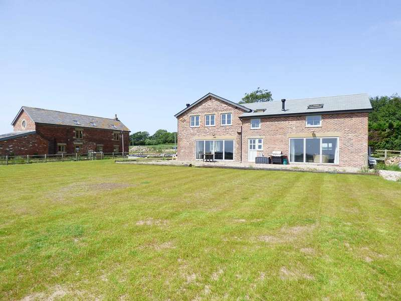 4 Bedrooms Detached House for sale in Fell View Barn, Browns Lane, Wrea Green