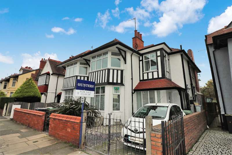 3 Bedrooms Flat for sale in Kingsway, Wallasey, CH45 4PN