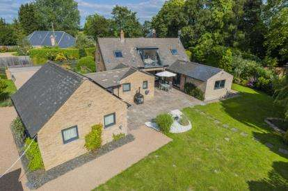 4 Bedrooms Detached House for sale in Wimpole, Royston, Cambridgeshire