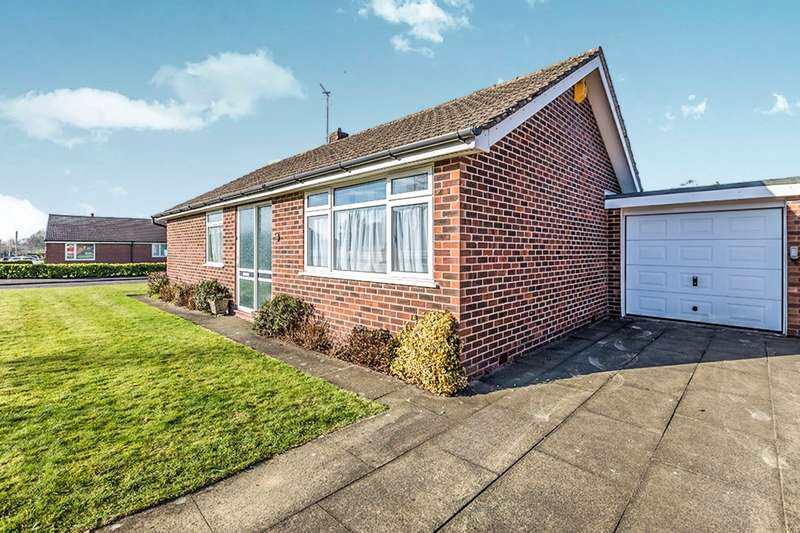 2 Bedrooms Detached Bungalow for sale in Dalehead Road, Leyland, PR25