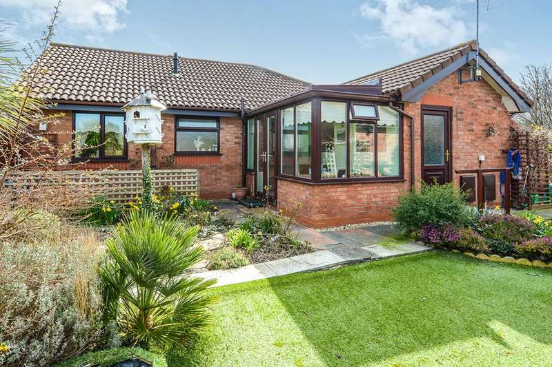 2 Bedrooms Detached Bungalow for sale in Maes Cybi, Pensarn, Abergele, Clwyd, LL22