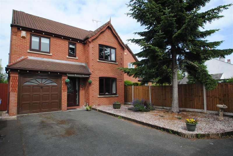 4 Bedrooms Detached House for sale in Warrington Road, Risley, Warrington, WA3