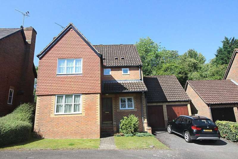 4 Bedrooms Detached House for sale in Winterberry Way, Caversham Heights, Reading