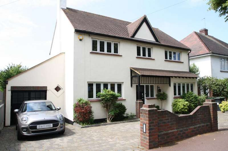 4 Bedrooms Detached House for sale in Marine Estate, Leigh-on-sea SS9