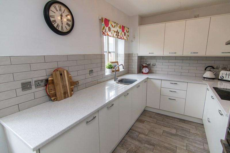 3 Bedrooms Town House for sale in Lakeside Way, Nantyglo, Ebbw Vale