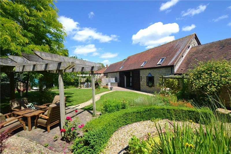 4 Bedrooms House for sale in Ploughley Road, Ambrosden, Bicester, Oxfordshire, OX25