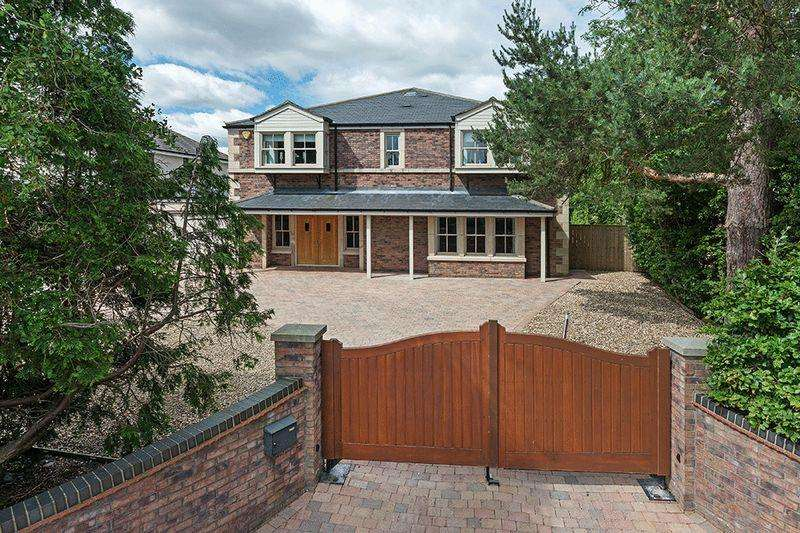 5 Bedrooms Detached House for sale in 30 Western Way, Darras Hall, Ponteland