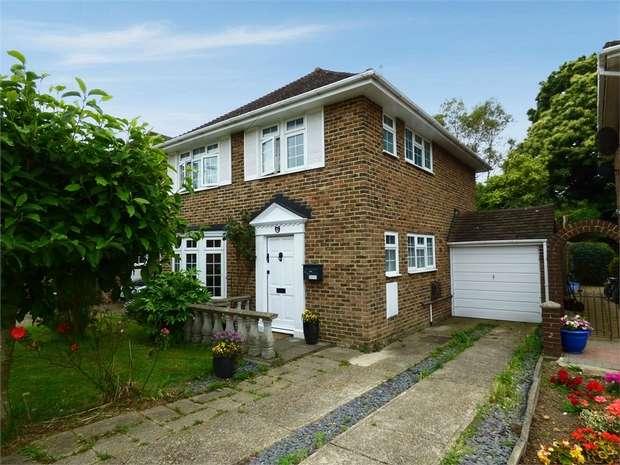 3 Bedrooms Detached House for sale in Tanker Hill, Gillingham, Kent
