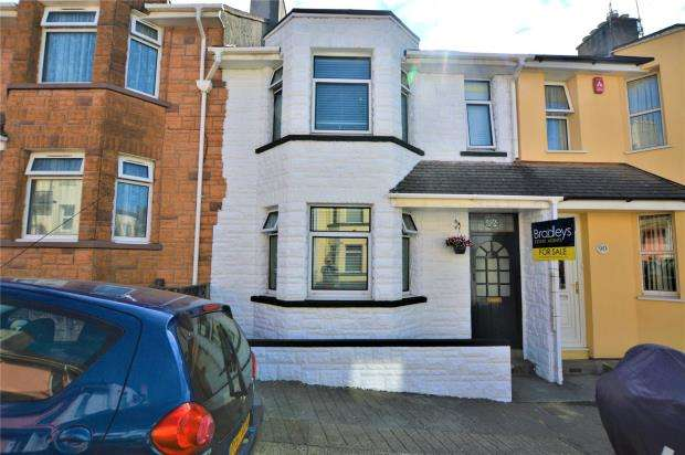 3 Bedrooms Terraced House for sale in Warleigh Avenue, Plymouth, Devon