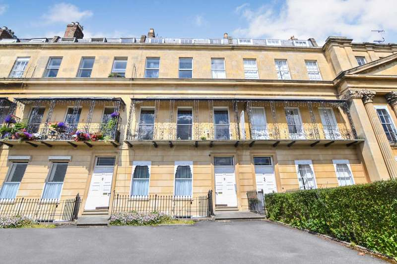 1 Bedroom Apartment Flat for sale in Suffolk Square, Cheltenham, Gloucestershire