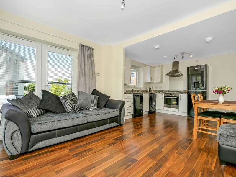 2 Bedrooms Apartment Flat for sale in Fingal Road, Renfrew
