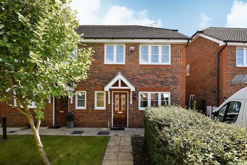 3 Bedrooms House for rent in Warfield Street, Warfield, RG42