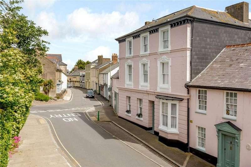 8 Bedrooms Town House for sale in South Street, Torrington, Devon