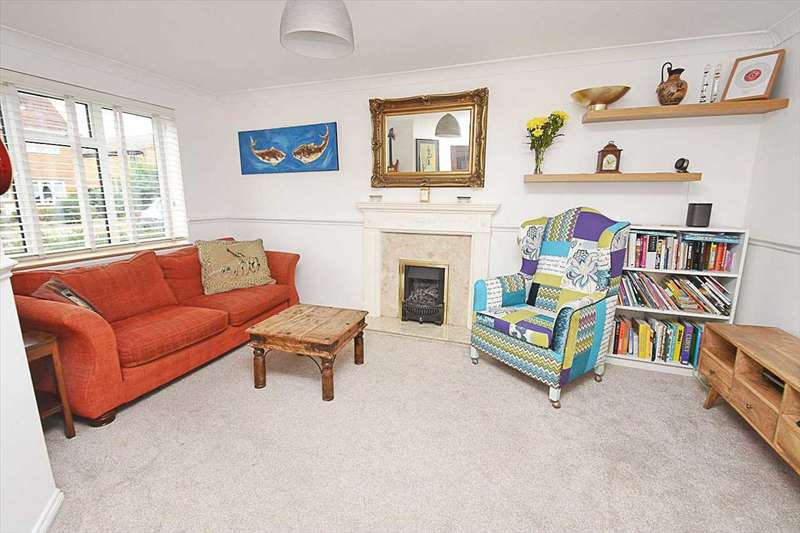 4 Bedrooms Terraced House for sale in Heathfield Drive, Mitcham