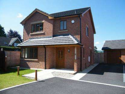 3 Bedrooms Detached House for sale in The Old Tennis Courts, Wern Uchaf, Ruthin, Denbighshire, LL15