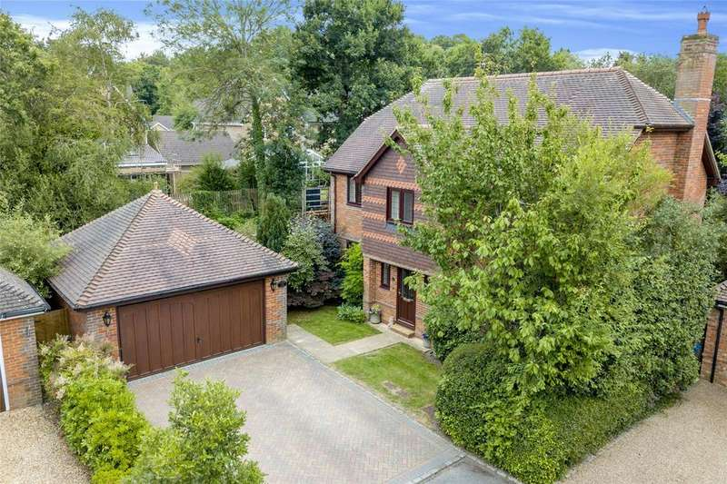 4 Bedrooms Detached House for sale in Priory Lane, Warfield, Berkshire, RG42
