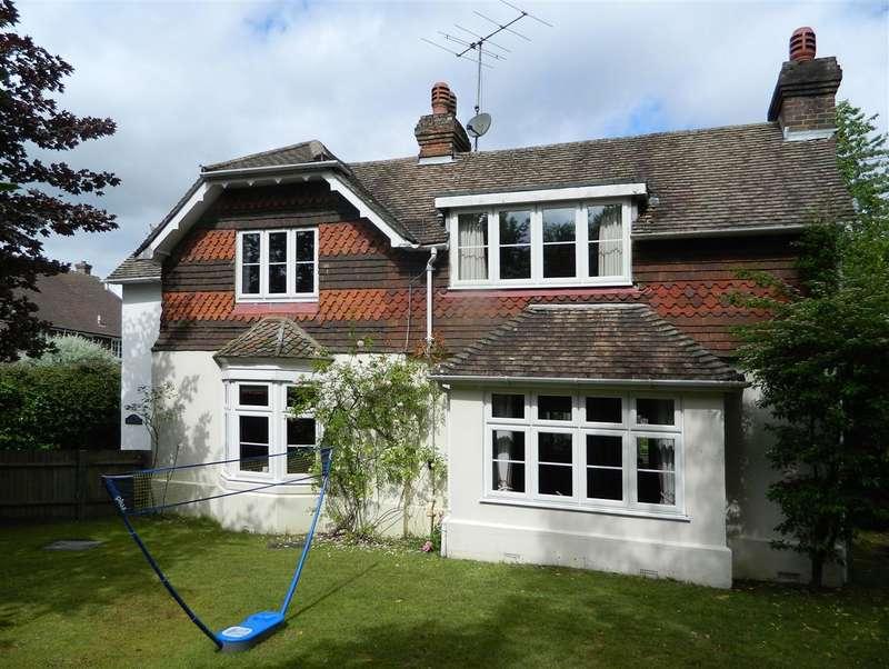 5 Bedrooms Detached House for sale in Woodlands, Easebourne Lane, Midhurst